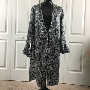Cold Leopard Print Duster